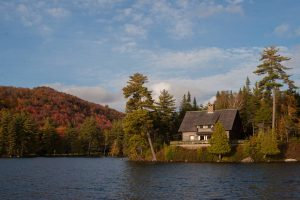 Lake Kora | Lakeside Lodging