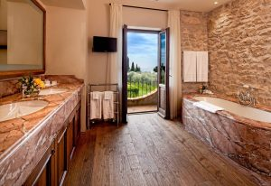 Il Convento dei Cappuccini | Master Bathroom