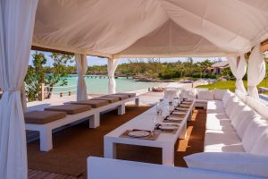 Three Bees at Harbour Island | Large group Bayside Dining