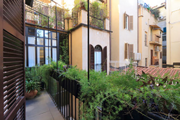 Spanish Steps Apartments